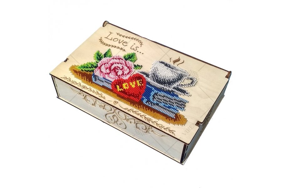 "Деревянная шкатулка-органайзер ""Love is"""